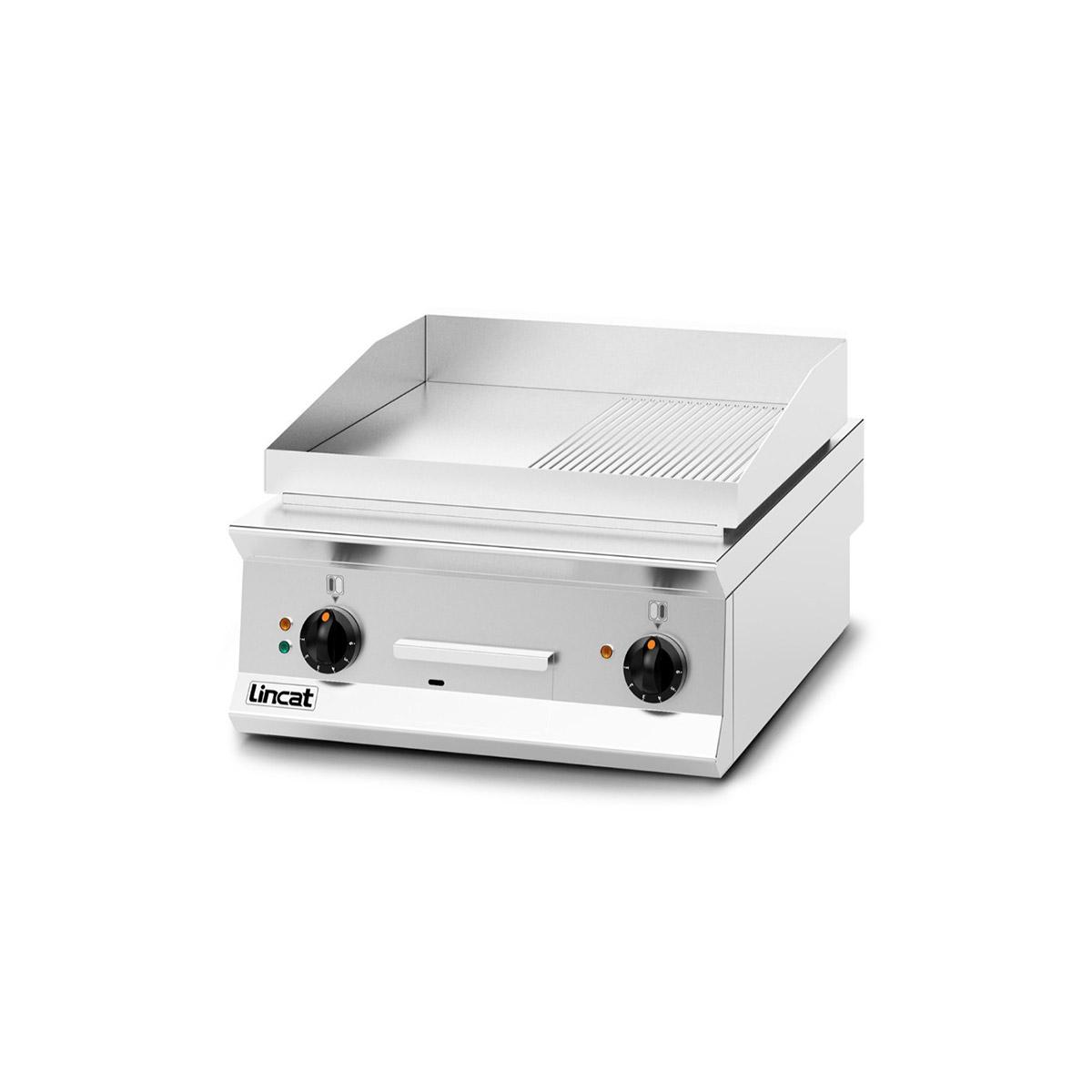 Lincat Opus 800 Half Ribbed Electric Griddle Model: OE8205/R